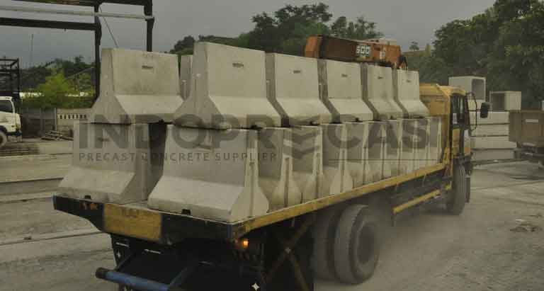Precast Road Barrier Beton
