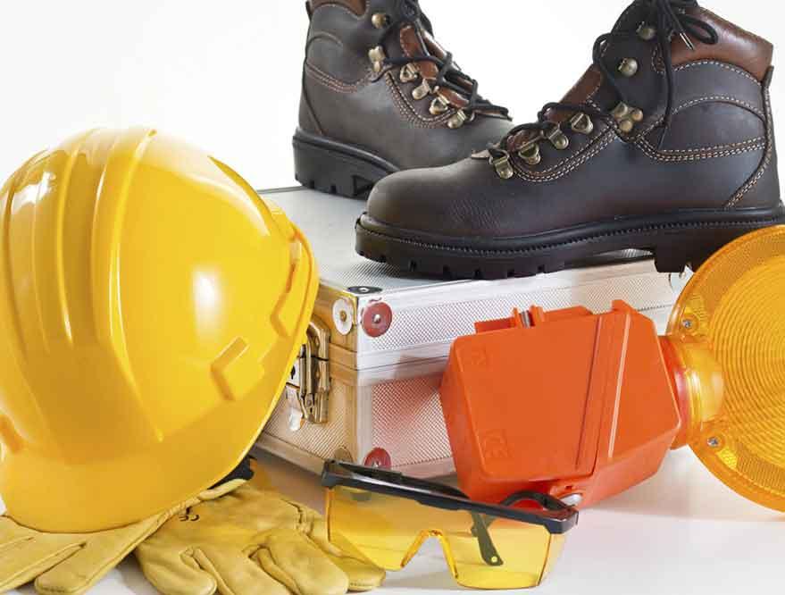 Safety Equipment Dasar yang Wajib Dipakai Pekerja Konstruksi